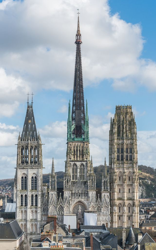 1200px-rouen_cathedral_as_seen_from_gros_horloge_140215_4